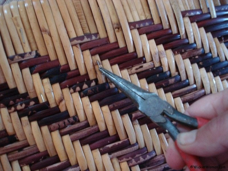 pull-staples-wide-binding-cane