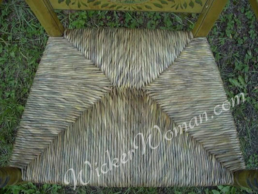 Hand-twisted natural bulrush seat