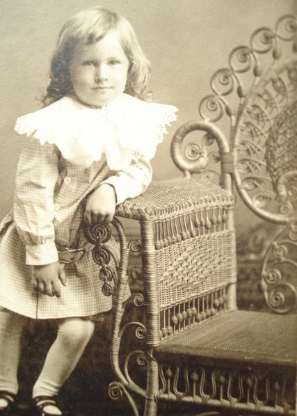 wicker cabinet card
