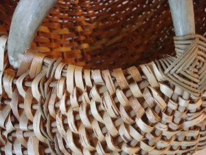 all-in-one-birch-bark-antler-basket-detail
