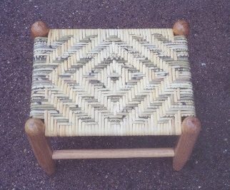 6MM diamond dyed cane stool