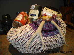 Can goods flatten basket bottoms