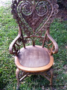 heart-shape-victorian-wicker-lady-chair