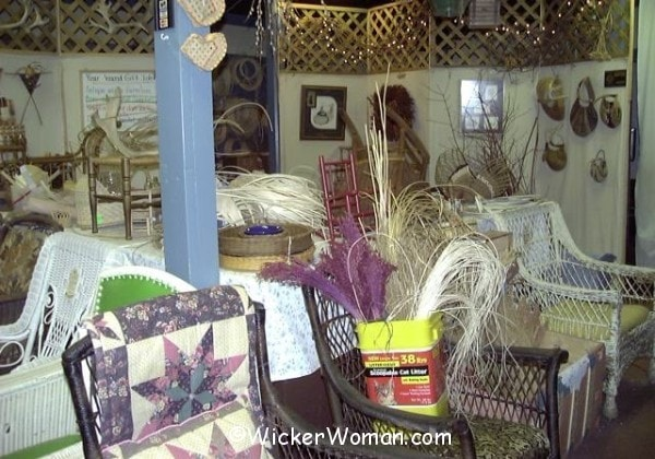 inside-wicker-shop-ZF-MN