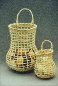 Onion and garlic baskets by Cathryn Peters