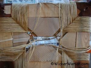paper rush bottom cardboard stuffing