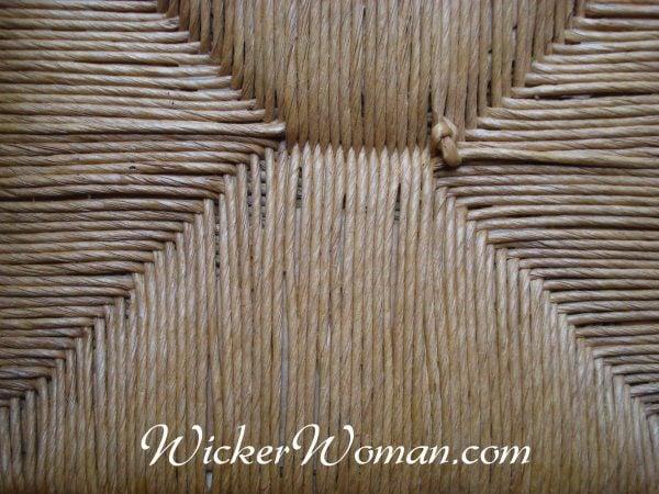 how to use wicker bottom