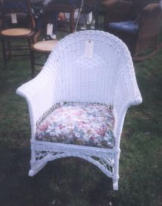 How To Paint Wicker Furniture