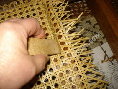 push-cane-webbing-groove-wedges