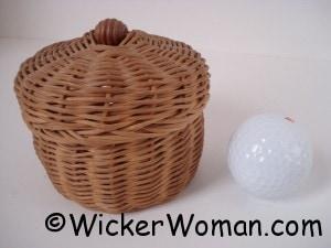 round reed lidded mini basket