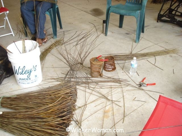 weaving burkina willow baskets