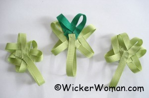 woven-ribbon-shamrocks-pins